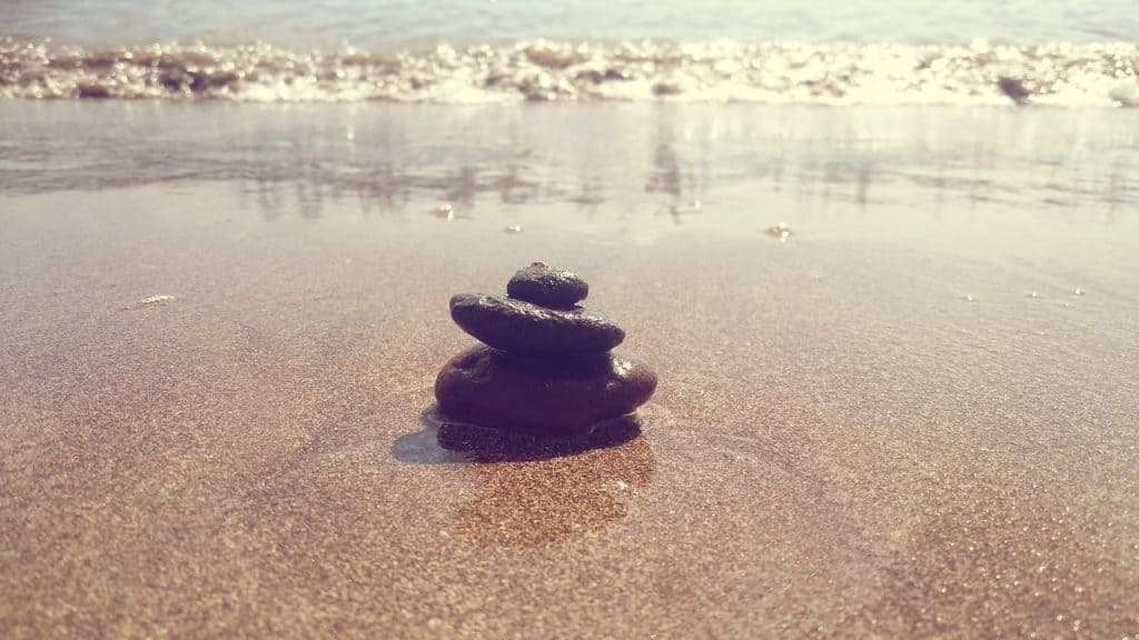 beach-sea-coast-water-sand-rock-488658-pxhere.com